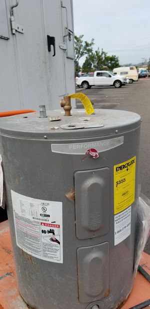 Rheem electric water heater for Sale in San Diego, CA