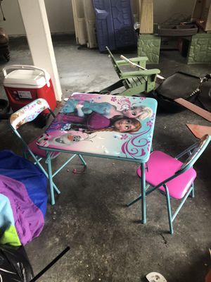 Kids table chairs frozen Elsa for Sale in Bellevue, WA
