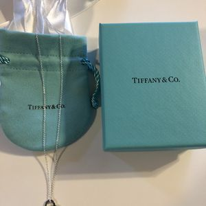 TIFFANY & CO HEART TAG PENDANT NECKLACE **100% AUTHENTIC **BRAND NEW NEVER WORN for Sale in Rocky River, OH