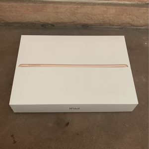 iPad (5th Generation) 32 GB Gold Wi-Fi for Sale in Tempe, AZ