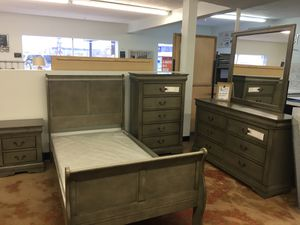 Twin Bedroom Set- Chest not Included for Sale in Phoenix, AZ