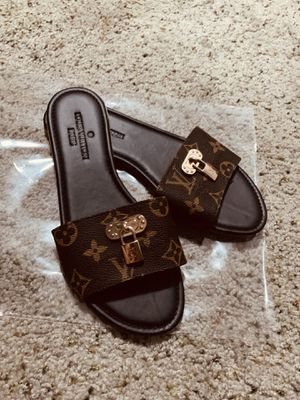 Lv sandals for Sale in Taft, CA