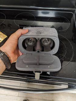 Google daydream headset for Sale in Mesa,  AZ