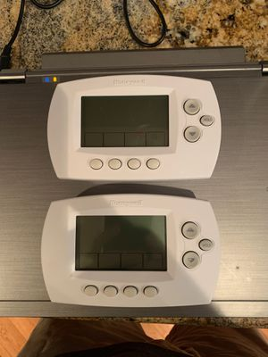 Honeywell Thermostat Wi Fi 7 day programmable white smart with WiFi compatibility for Sale in Sandy Springs, GA