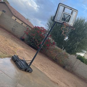 Basketball Court Hoop for Sale in Tolleson, AZ