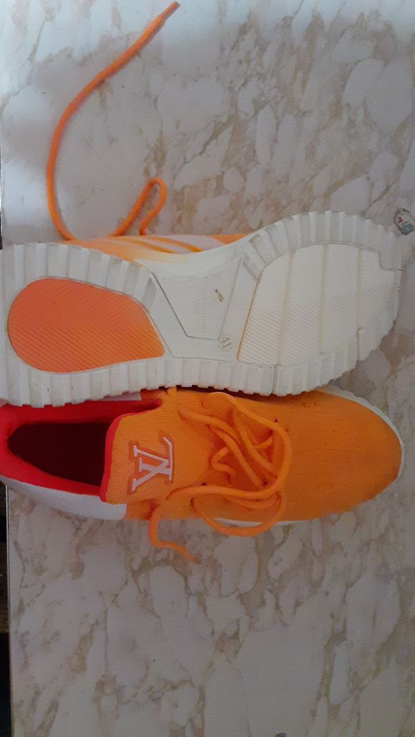 L.v sneakers size 41, 75$
