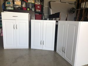 Cabinets with shelves for Sale in Calimesa, CA