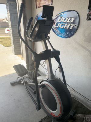 Elliptical machine rarely used. Pick up only for Sale in Selma, CA