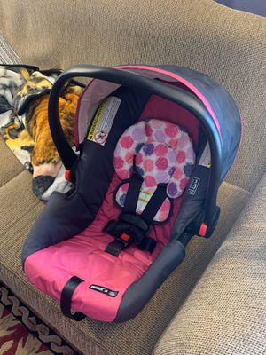 Snugride 30 Infant Girls Car Seat for Sale in Louisville, KY