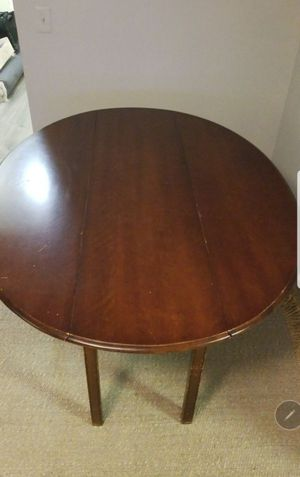 Oval cherry wood table for Sale in Queens, NY
