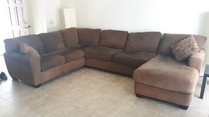 3 piece sectional sofa with chaise lounge for Sale in Placentia, CA