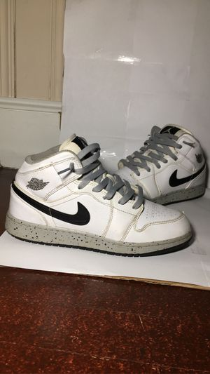 Jordan 1 Mid White Cement (GS) for Sale in Charlotte, NC