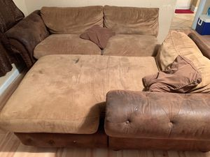 FREE!! couch for Sale in Modesto, CA