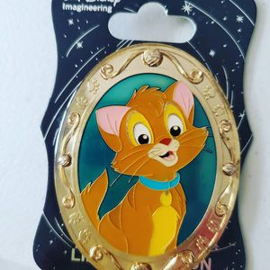 Disney Pin Gold Frame Oliver and Company for Sale in San Jose, CA