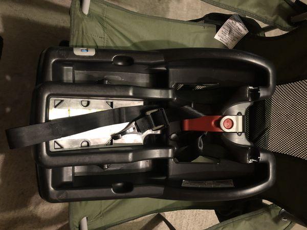 Graco SnugRide 35LX Car Seat/Stroller Bundle
