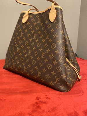 Authentic Louis Vuitton Neverfull GM. for Sale in Palm Desert, CA