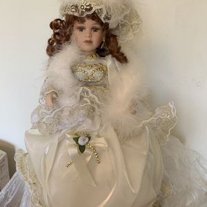 $15 Dolls for Sale in Claremont, CA