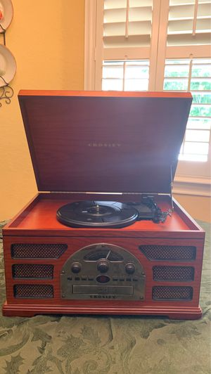 Record Player! Plays CD's, radio, and cassettes! for Sale in Miami, FL