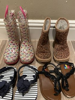 Bundle Of Toddler Girls Shoes Size 8 for Sale in San Diego,  CA