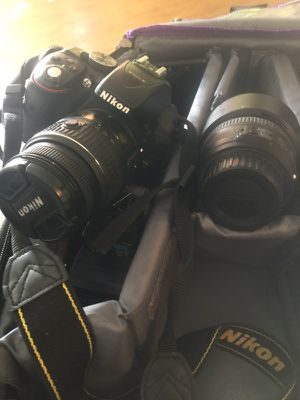 Nikon D5300 (with 2 lenses for $700) for Sale in Miami, FL