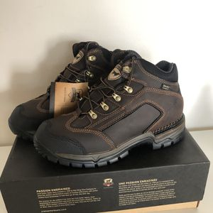 Irish Setter Two Harbors Size 10 Work Shoes Red Wings Shoes for Sale in Miami, FL