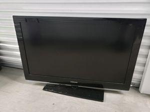 Samsung 40 inch tv no remote for Sale in Providence, RI