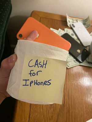 Iphone 11 max pro Samsung galaxy s20 plus 5g for Sale in Columbus, OH