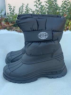Snow boots for kids sizes 11,12,13 for Sale in Bell Gardens, CA