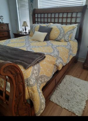 Queen size bedroom set for Sale in West Palm Beach, FL