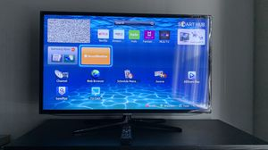"Samsung 40"" Slim LED SMART TV - (1080p) for Sale in Los Angeles, CA"