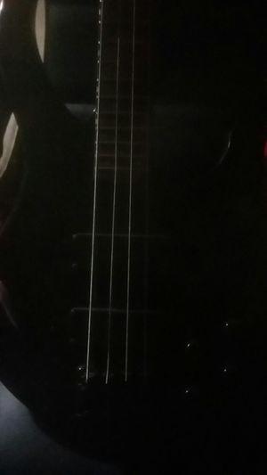 Peavey grind bass guitar for Sale in Jacksonville, FL