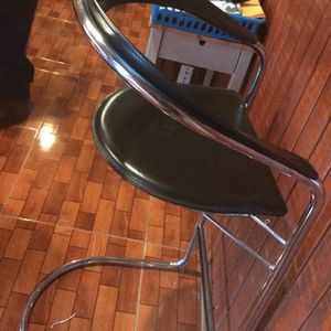 Bar Stool Chair Need To Get Rid Of It Taking Up Space for Sale in Fort Worth, TX