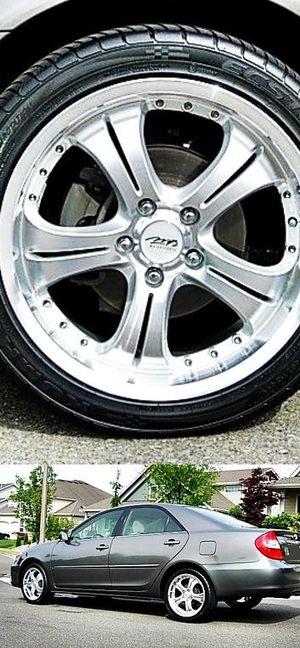 $600 Toyota Camry for Sale in Glenarden, MD