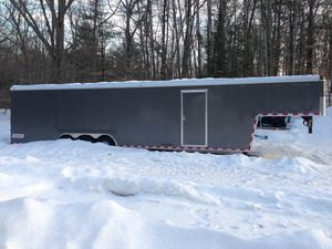 2014 Haulmark 40 Foot Enclosed Trailer Only 1600 Miles for Sale in Columbus, NJ