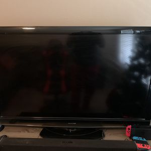 52 inch SHARP tv (no remote control) for Sale in Houston, TX