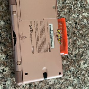 DS Lite (pink) With Pokémon Fire red for Sale in Everett, WA