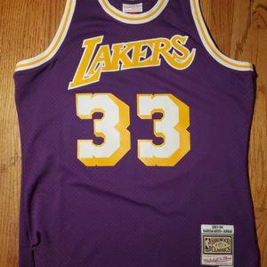 LARGE Kareem Abdul-Jabbar Lakers Jersey for Sale in San Jose, CA