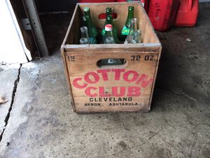 Antique cotton club case with bottles for Sale in Euclid, OH