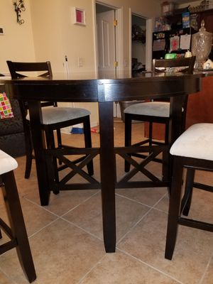 High Top Table & Chairs for Sale in La Vergne, TN