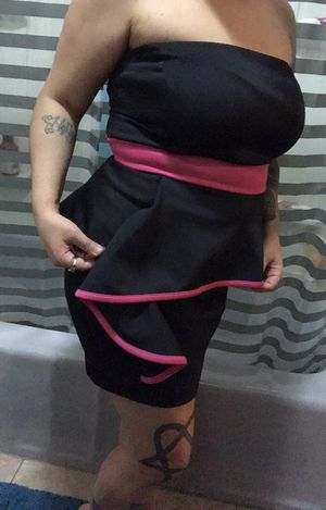 Black and pink trimmed peplum halter dress. Women's size large. for Sale in Salt Lake City, UT