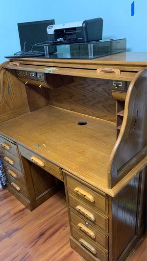 Desk for sale. Need gone ASAP for Sale in Poinciana, FL