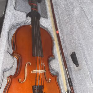 violen, no brand, very good condition for Sale in West Covina, CA