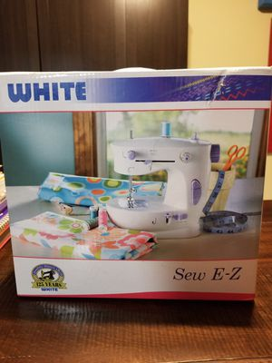 Sew E-Z Sewing Machine for Sale in Cape Coral, FL