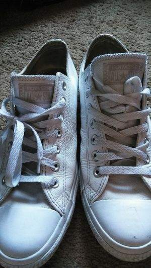 Leather converse all star white size 10 for Sale in San Diego, CA