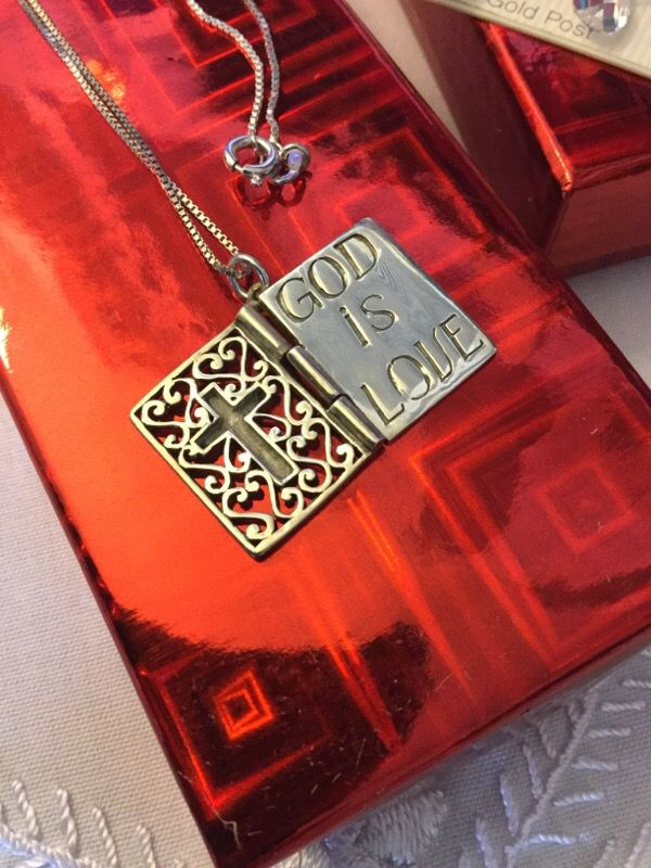 Beautiful Sterling Silver BIBLE Pendant / Silver Necklace 💖📖 Book Opens