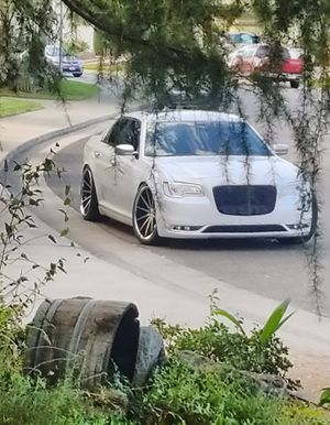 2016 Chrysler 300 Platinum V8 HEMI White Pearl for Sale in Elk Grove, CA