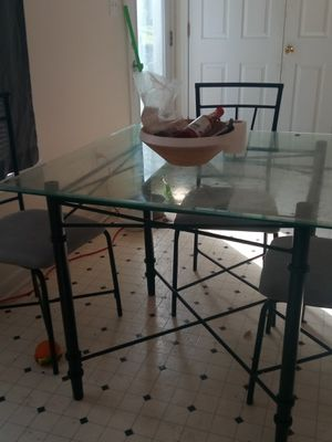 Kitchen table and chairs for Sale in Winchester, KY