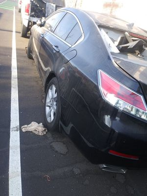 PARTS FOR SALE IS 2012 ACURA TL 3.5 ENGINE GOOD ENGINE EN TRANS LET ME KNOW WHAT PARTS U NEED for Sale in Los Angeles, CA