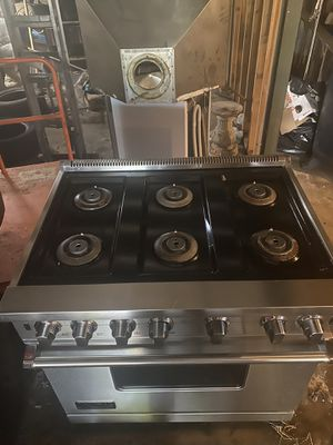 Vicking Gas stove, excellent condition for Sale in St. Louis, MO