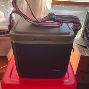 Cooler for Sale in Mount Rainier, MD